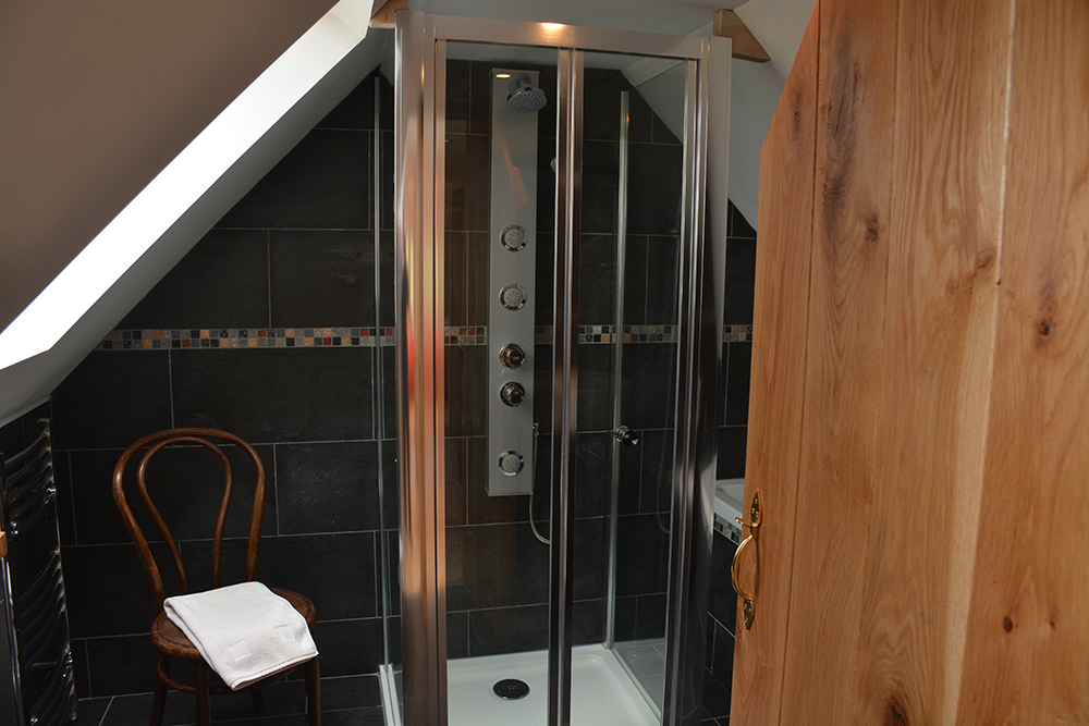 Tigh Eilidh bathroom